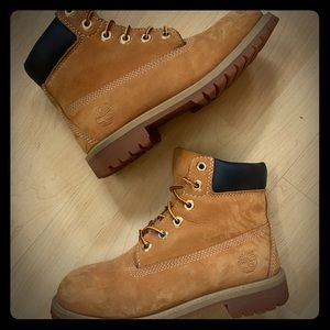 Great Condition Classic Timberlands